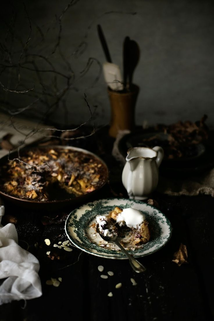 Pratos e Travessas: Pudim de maça, uvas e amêndoa, sem glúten # Gluten free apple, grapes and almond pudding | Food, photography and stories