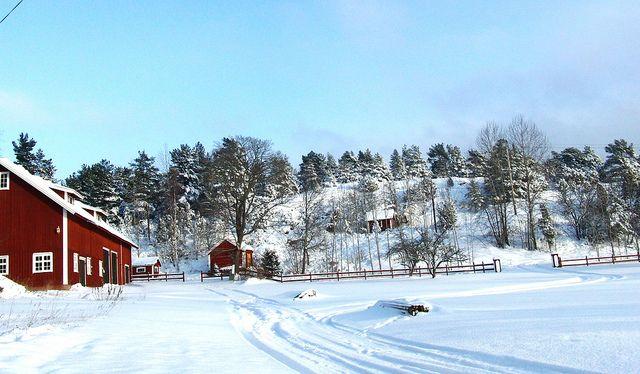 Ladan i snö   Flickr - Photo Sharing!