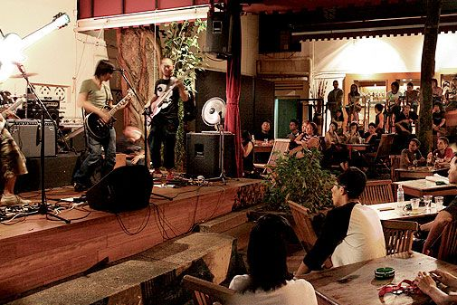 Timbre @ The Substation - Timbre @ The Substation is one of Singapore's best live music secrets where musicians play at the open-air venue every night. Across the road from the Singapore Management University, it can be found in a quiet and secluded part of Armenian Street.