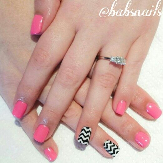 IG @babsnails Pink with chevron accent nail.