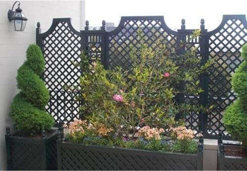 Traditional Urban Style Garden Screen
