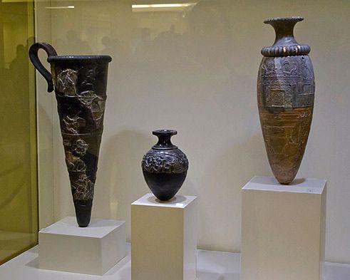 Minoam-pots--Iraklio-museum-491px-393px