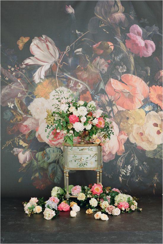 romantic florals captured by Elizabeth Messina #weddingflorals #weddingideas #weddingchicks http://www.weddingchicks.com/2014/03/03/2014-claire-pettibone/