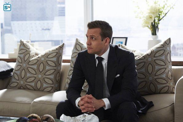 S05E07: Hitting Home | Suits (Kravaťáci) | Edna.cz