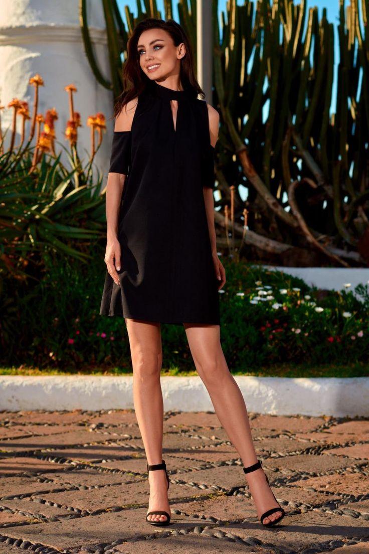 Trapezowa Sukienka z Odkrytymi Ramionami Czarna LEL245