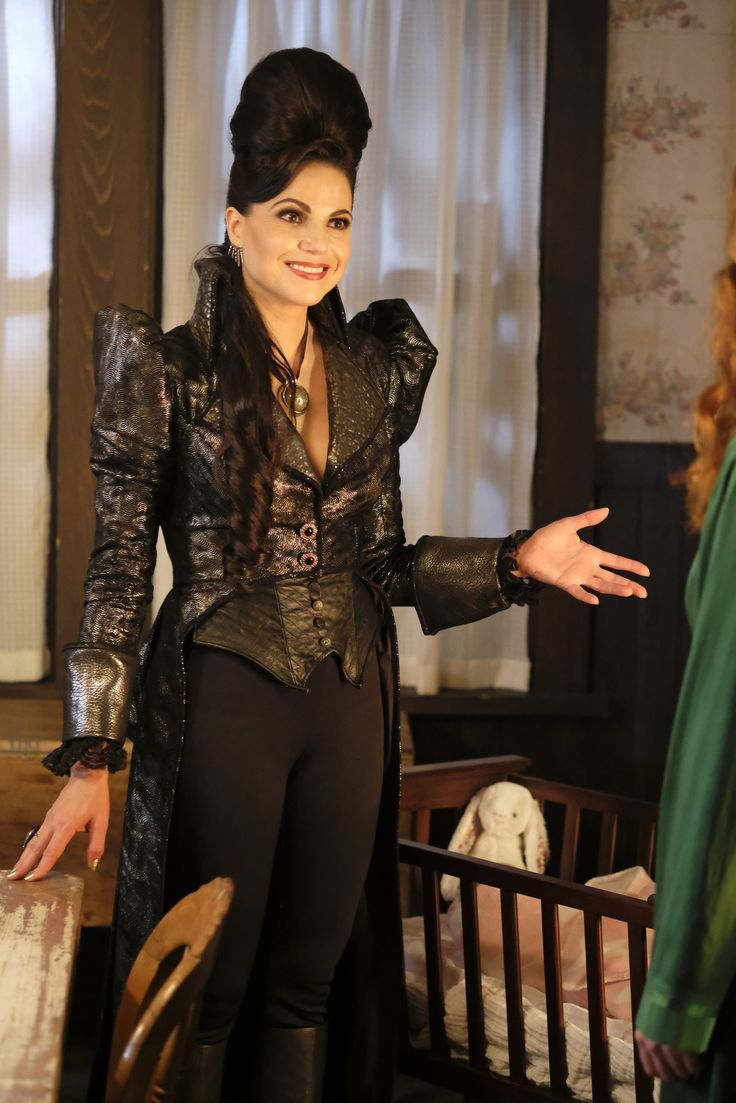 Evil Queen Coat And Outfit From 6 02 In 2019 Evil Queen