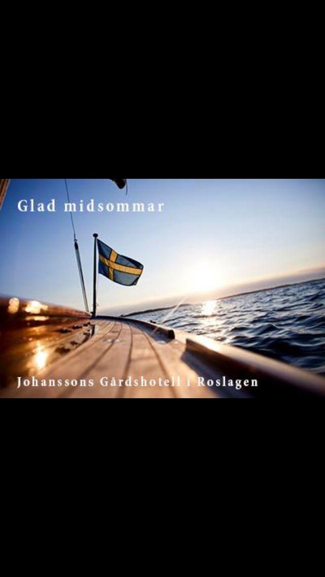 Glad Midsommar  önskar Johanssons Gårdshotell
