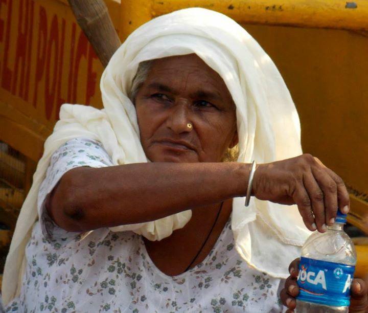 #white #India #oldwoman  ©Giorgia Pezzoni