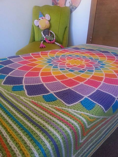 Sunny Daze Blanket And Pillow By Laura Pavy - Purchased Crochet Pattern See http://pinterest.com/pin/450360031458073247/ For Pillow Pattern - (ravelry)