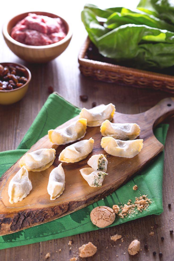 Oggi vi portiamo nel nord Italia alla scoperta di uno dei primi piatti più gustosi della nostra tradizione: i casoncelli! #Giallozafferano #recipe #ricetta #ricetteregionali