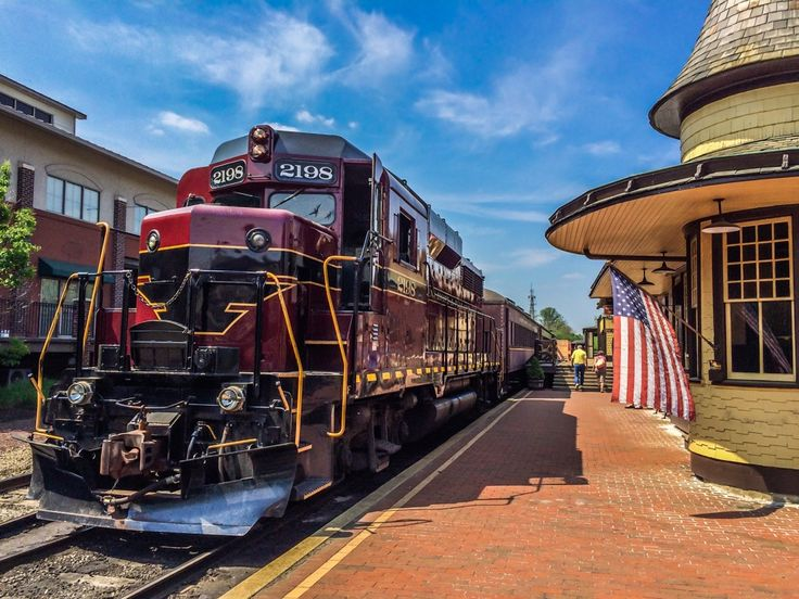New Hope, Pennsylvania is a quaint small town with a rich history and tons to do. Here are 5 things to love about this popular Bucks County destination.