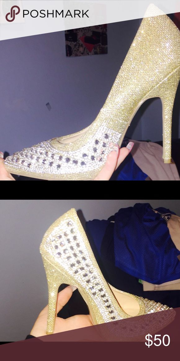 Gold sparkly shoes High heels. About 6 inches , gold and silver with studs. Wore it twice Shoes Heels