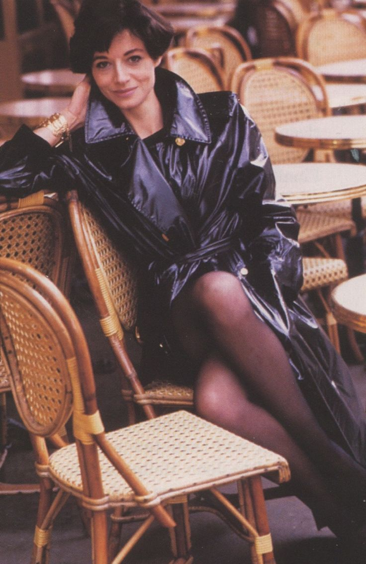 fashion vogue uk jul 2007 joan juliet buck snowdon foto 1987 cafe paris fetish latex coat