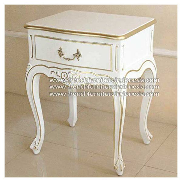 Buy quality Loi Square One Drawer Bedside from Indonesian Furniture Manufacturer. We are reproduction furniture 100 % export furniture manufacturer specialist french furniture design with antique finish. #FurnitureWarehouse #FurnitureOnline #ExporterFurniture #ClassicFurniture #WholesaleFurniture