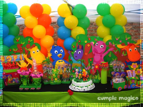Decoración en globos & Candy Bar Backyardigans  http://www.cumplemagico.com/
