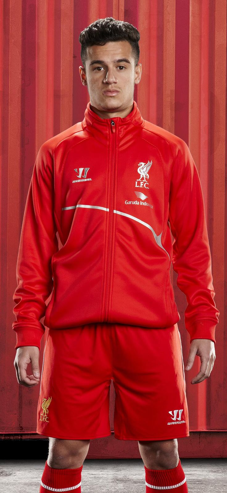 PHOTO: @Phil_Coutinho sports an item from #LFC's new training kit collection… http://store.liverpoolfc.com/kit/training-kit/ … #DEMAND pic.twitter.com/tZqcT7Gg86