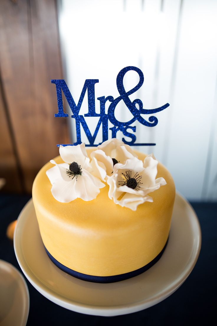 The blue cake company wedding cakes birthday cakes 2016 car release - Vanilla Wedding Cake With Gold Fondant Sugar Paste Anemones And Navy Cake Topper From Vanilla Wedding Cakesnavy