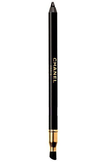 Five Tricks for Applying Eyeliner - Step 2: Focus on your brushstrokes