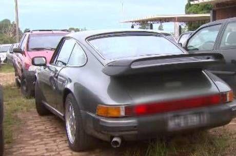 Carros de luxo são campeões em apreensões por excesso de multasno DF - http://noticiasembrasilia.com.br/noticias-distrito-federal-cidade-brasilia/2015/03/31/carros-de-luxo-sao-campeoes-em-apreensoes-por-excesso-de-multas-no-df/