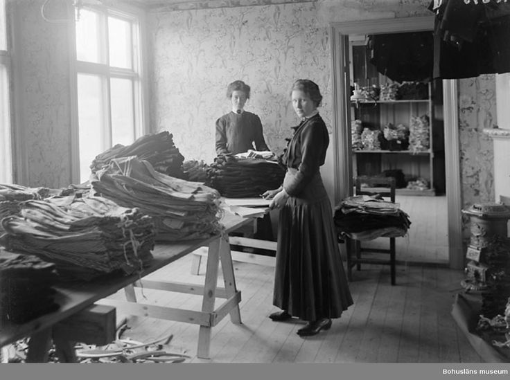 Schwartzman & Nordström. Lagerbergsgatan, Uddevalla. Interiör lager. Fotograf: Thure Nihlén, 1907
