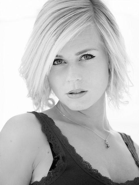 Black and white portrait : Woman : Lady : Blonde Hair : Green eyes : Olympus OMD EM1 : Olympus M.Zuiko 40 150 mm F2.8 Pro | Flickr - Photo Sharing!