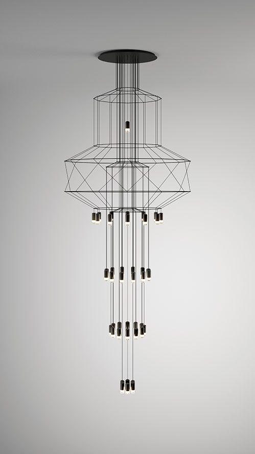 Wireflow Chandelier is de spectaculaire toevoeging op de Wireflow serie. Wireflow Chandelier is sprankelend en geometrisch, een ontwerp van Arik Levy.