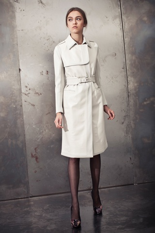 Doo.Ri pre-Fall 2012. Gorgeous trench.