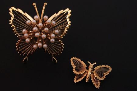 Interview: Mehek Agarwal of vintage jewellery label Viange. www.strut120.com/...