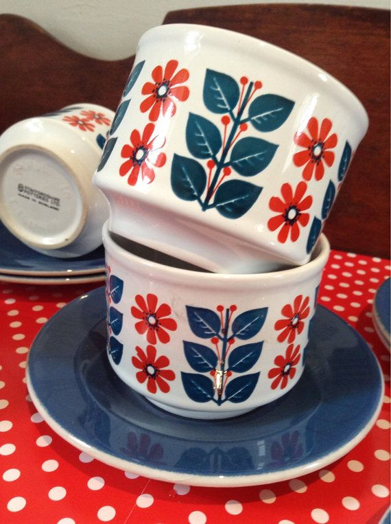 Retro staffordshire tea cups saucers and side by Tillyvillevintage & 162 best Vintage dinnerware images on Pinterest | Vintage dinnerware ...