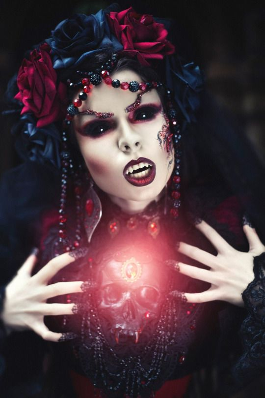 "Sexy, yet fierce ""Vampire chick"" makeup effect / Paired with all-black sclera contacts ~ https://www.pinterest.com/pin/350717889705707881/"