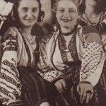 1920 Romanian beauties in their traditional outfits