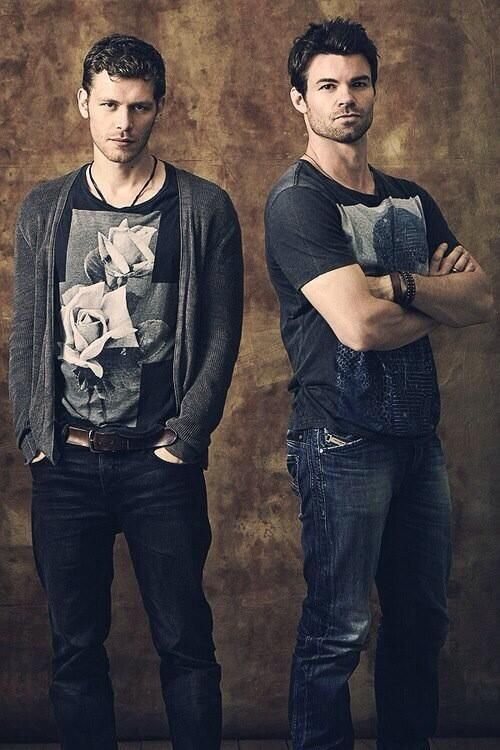 Joseph Morgan and Daniel Gillies portray the characters of Niklaus and Elijah Mikaelson.....Yummy!