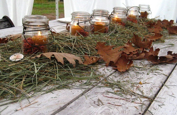 Table decorations for a fall party