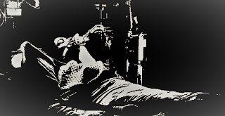 Cuento - Capcioso   Juan Fernández | Diciembre 16 2016  Lisbeth se despertó temprano llena de vida como siempre quería llegar a tiempo a la rueda de prensa que iba a sostener el alcalde electo del municipio de Cutupú Don Aldo la mañana del 16 de diciembre. Como estudiante de comunicación Lisbeth había conseguido un pase especial de prensa estaba asignada a la 5ta fila en la silla de la esquina a la derecha del pulpito.  Cuando Don Aldo entró al gran salón todos se pusieron de pies duraron…