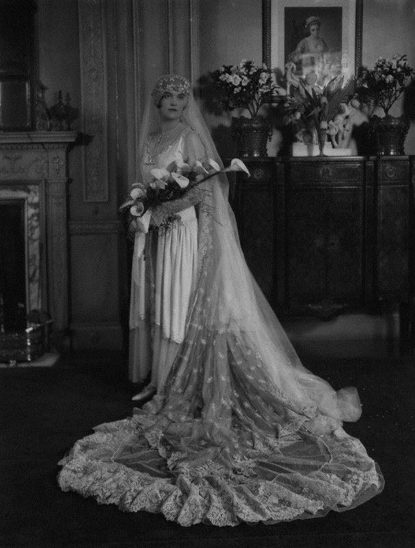 Chic Vintage Bride – Yolande Pepys - chicvintagebrides.com