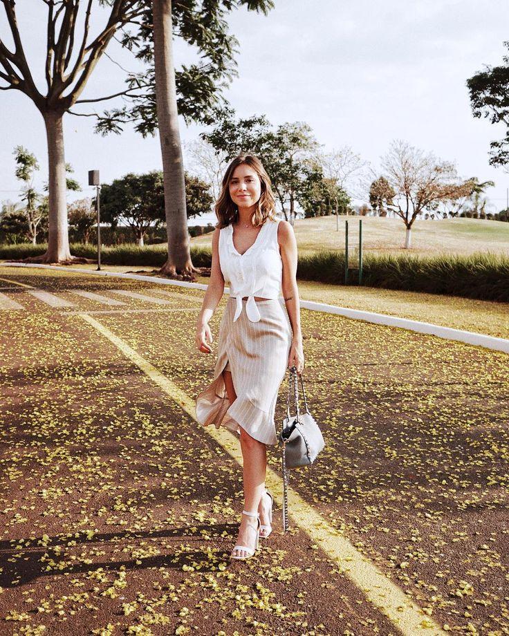"""14.4 mil curtidas, 64 comentários - Luisa Accorsi (@luisa.accorsi) no Instagram: """"yellow wonderland  toda de @bynv - aquele look confortável e elegante que você usa mil vezes! amo!…"""""""