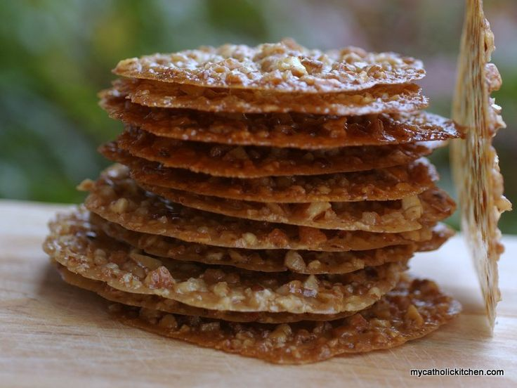 These delicate yet elegant lace cookies look hard to make. Only you and I need to know how easy they are to make. The real trick to baking these crisp wafer-thin drop cookie is is a good nonstick b…