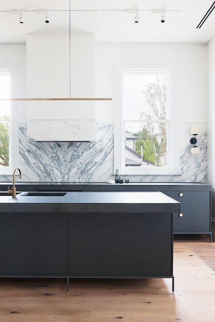 Inside a Stunning Australian Home With Minimal Styling. 25  melhores ideias de Exhaust fan for kitchen no Pinterest