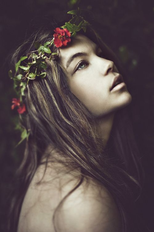 Ideas, Red Flower, Flower Crowns, Beautiful, Inspiration Photography, Portraits Photography, Fashion Photography, Benjo Arwa, Floral Crowns
