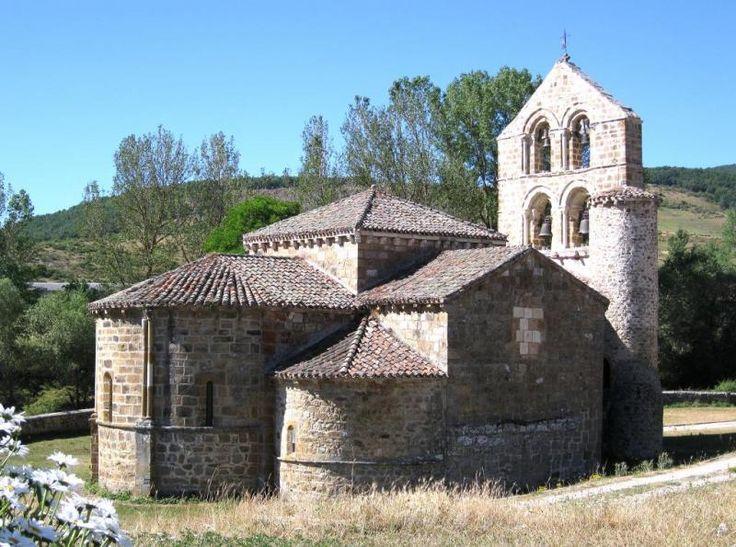 Colegiata de San Salvador de Cantamuda - Palencia (Spain)    Ábside y fachada septentrional     Arte románico    Montaña palentina