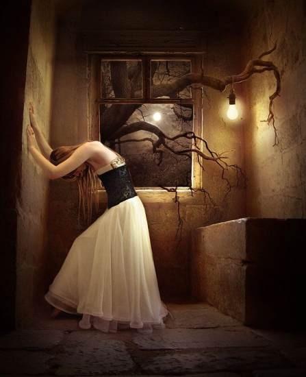 I love her posture.: Art Illustrations, Fantasy Art, Photo Manipulation, Fall Autumn, Trees Branches, Elena Migliore, Gothic Girls, Elenadudina, Art Pictures
