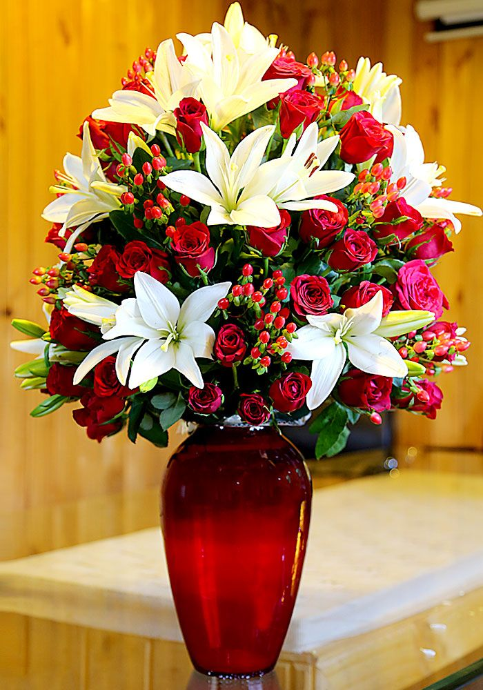 Here is a sunny splash of colors to dazzle someone you love.