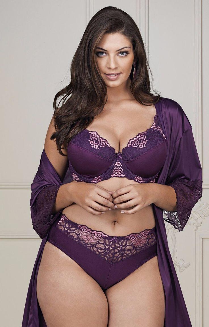 plus-size-girls-in-lingerie