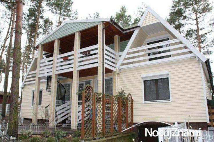 Pokoje Gościnne U Baby Jagi || Nocleg nad jeziorem || #apartamenty #mazury #jezioro #apartments #polska #poland || http://nocujznami.pl/noclegi/region/jezioro