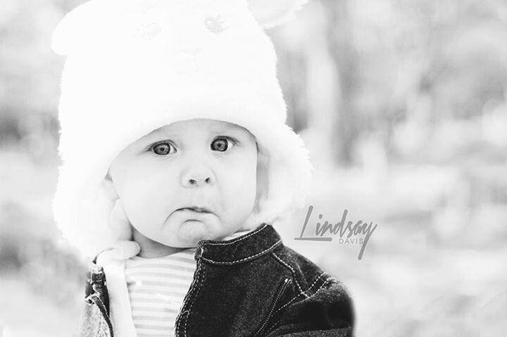 Lifestyle newborn and baby photography lindsay-davis.com
