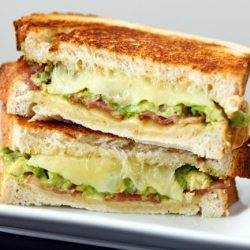 This avocado & bacon grilled cheese is not your typical boring grilled cheese