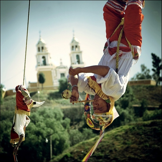 Learn all about Papantla Flyers in our today's article: Road to...Cumbre Tajín! A typical and amazing music and arts festival, in Papantla Veracruz, Mexico. Visit http://www.santaferustic.net/blog_/