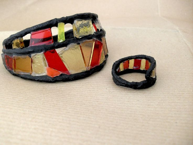 Anello vetrata di fil di ferro carta e vetro colorato : Anelli di camillaprimary