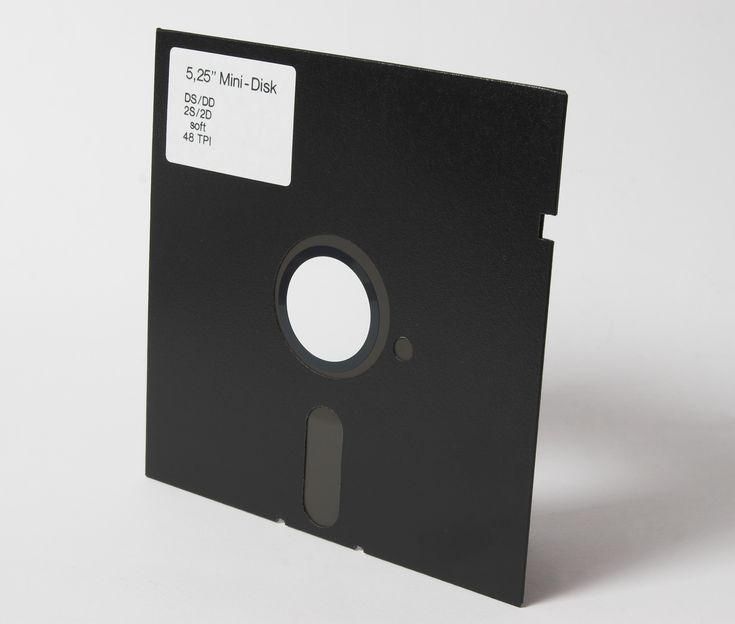 """Disquete 5,25"""" se invento 1976"""