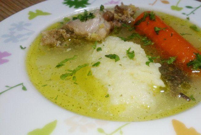 Retete Culinare - Supa de pui cu galuste